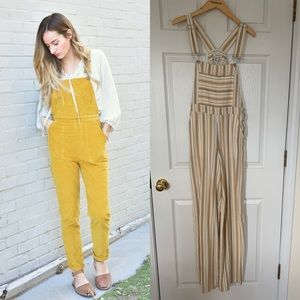 Stripped linen-like overalls